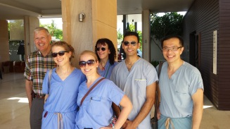 (2015)Group of surgeons and volunteer doctors smiling